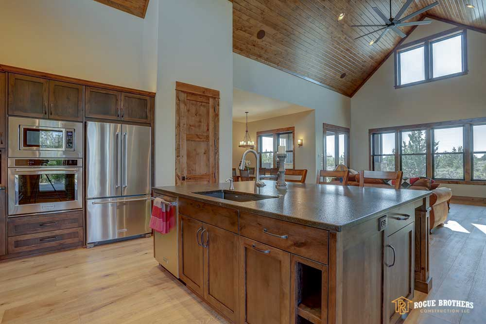 Bend Custom Kitchen - custom home builder by Rogue Brothers